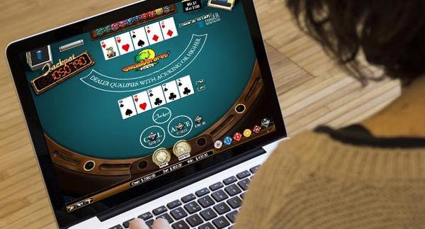 Permainan poker yang biasa dimainkan di sbobet
